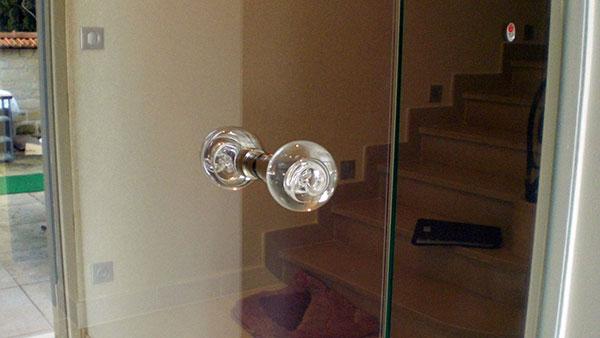 Elégante porte en verre PVEG réalisée sur mesure
