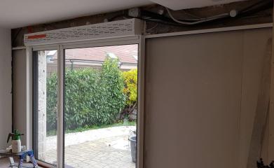 Pose et remplacement baie vitrée coulissante 95 image 3