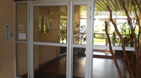 Pose de porte d'immeuble pour copropriété