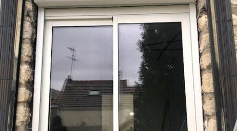 Pose fenêtre coulissante alu volet exterieur