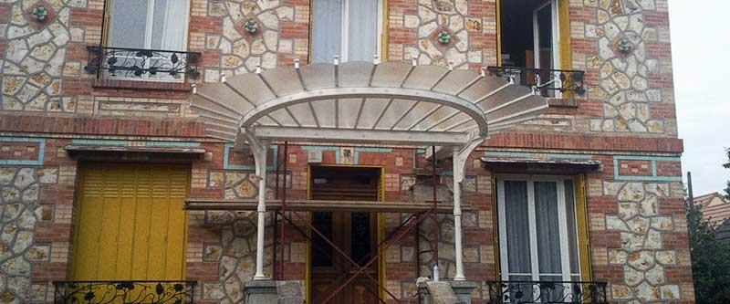Marquise en verre dans le Val-d'Oise