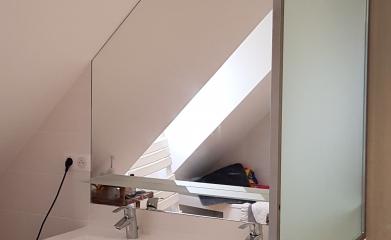 Installation miroir crédence salle de bain 95 image 2