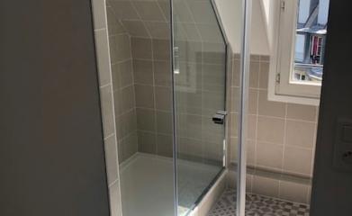 Pose d'un pare douche vitré sur mesure 95 image 4