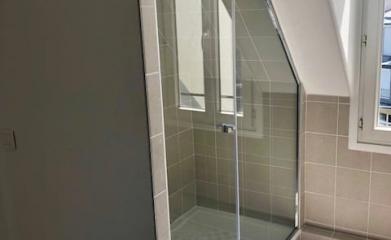 Pose d'un pare douche vitré sur mesure 95 image 6