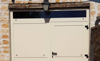 Installation porte de garage battante image 2