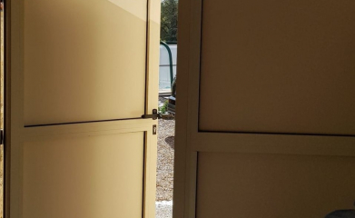 Installation porte de garage battante image 4