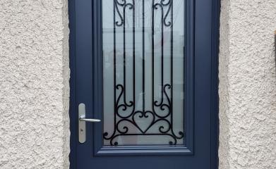 Remplacement et pose d'une porte alu vitrée image 2
