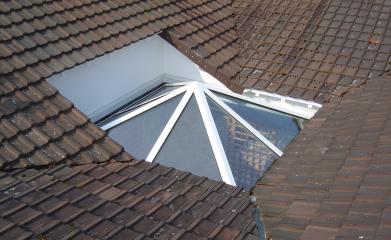 Installation fenêtre de toit en verre 95 image 3