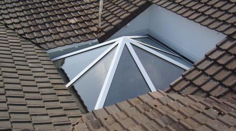 Installation fenêtre de toit en verre 95