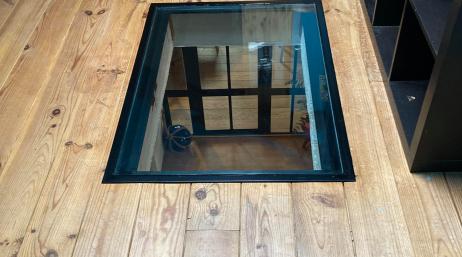 Installation sol et plancher en verre pour puit de lumière 95