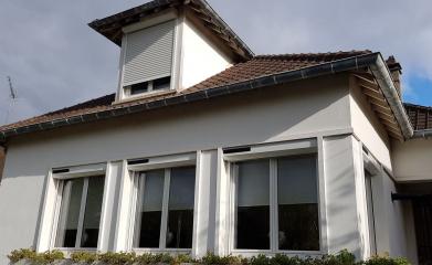 Installation volets roulants maison habitation image 2